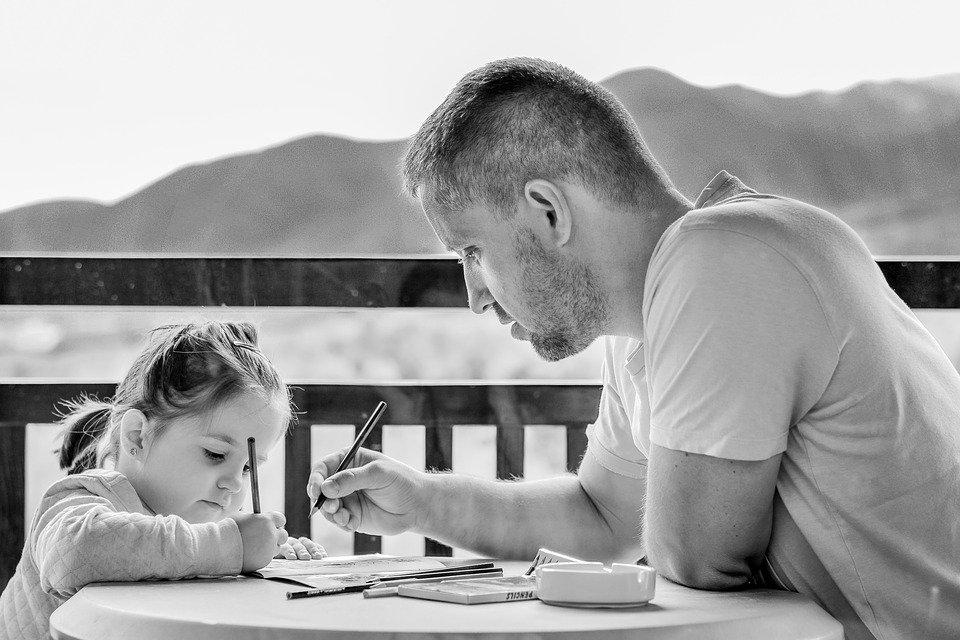 dad-helping-daughter